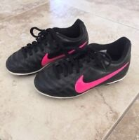 Girls NIKE soccer cleats shoes size 10