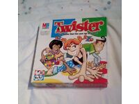 TWISTER Children's Family Party Fun Game MB Games 2004 Version