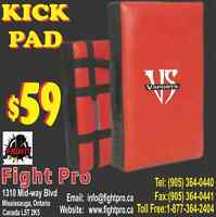 FIGHT PRO KICKING SHIELD, 5 HANDLE, 6 INCH THICKNESS,(x-lARGE) W