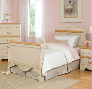 Girl's bed and side table set