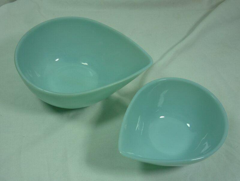 Vintage Nesting Blue Delphite Fire King Teardrop Mixing Bowls Lot 2 USA 21C035