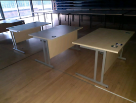 Office desks 1200 x 800 mm (40 available) free delivery on bulk orders