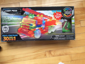 Laser Pegs The Origional Lighted Construction Set  1500