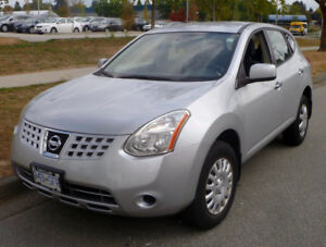 * ~ 2010 low mileage Nissan Rogue ~ *