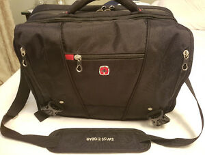 Swiss Gear Laptop Messenger Bag with RFID Blocking Pocket