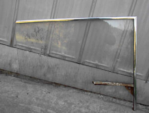 1958 OLDSMOBILE 2dr HARDTOP DOOR GLASS London Ontario image 1
