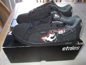 """Boys Etnies shoes """"Metal Mulisha"""" special edition size 4 *NEW"""