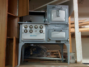 1920's or EARLIER MOFFAT ELECTRIC STOVE