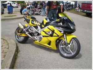 extremely clean customized Honda CBR 929RR-needs nothing!
