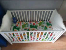 White wooden cot £10