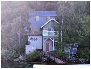 SHUSWAP LAKE BOAT ACCESS COTTAGE