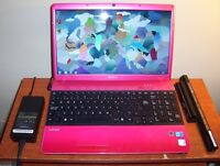 "15.6"" SONY VAIO Intel Core™ i3 370M 2.40GHz+2Good BATTERIES"