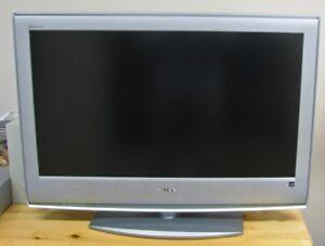 TÉLÉVISEUR avec CONVERTISSEUR-Sony 32¨-TELEVISION with CONVERTER