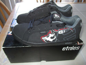 "Boys Etnies shoes ""Metal Mulisha"" special edition size 4 *NEW"