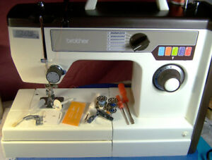 Brother VX 710 Compact Zigzag Sewing Machine New Condition.