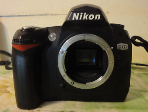 Nikon D70 DSLR camera body.with accessories