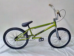 Excellent Condition, 21 inch top tube Norco REV BMX, green