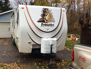 Prowler 33' Travel Trailer