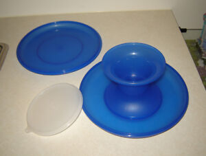 Tupperware Serve-it-all Set - 4 pieces - NEW