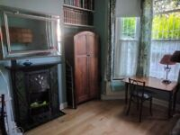 ||Victorian house, oak flooring, vegetarian vegan friendly with garden, free street parking