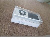 Apple iPod Nano 8Gb 4th Generation in silver - superb condition