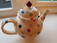 Emma Bridgewater Polka Dot Teapot - 4 cup