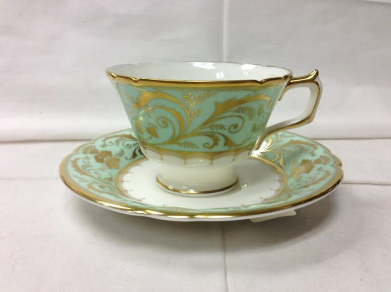 "ROYAL CROWN DERBY ""DARLEY ABBEY"" TEACUP & SAUCER BONE CHINA ENGLAND NEW"