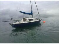 23ft Magnifik Midget fin keel sailing boat