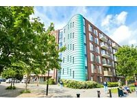 @ Stunning Studio apartment in a great location - close to transport - Deptford/Greenwich!