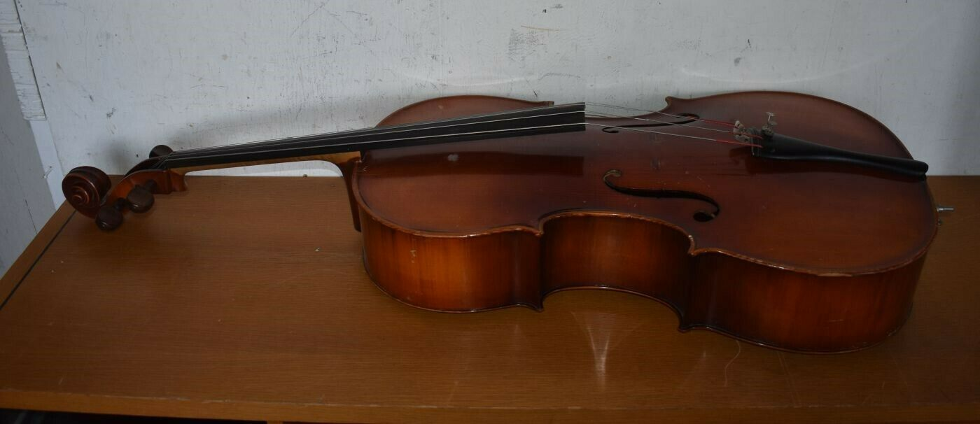 E.R. Pfretzschner Mittenwald O.B.B. 1969 Antonius Stradivarius Copy CELLO - $385.00