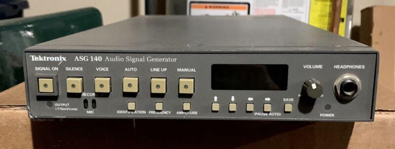 TEKTRONIX ASG 140 AUDIO SIGNAL GENERATOR