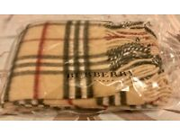 Brand New in Original Packaging Burberry London Camel 100% Lambswool Scarf