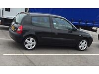 Renault Clio 1.2 16v only 32000 miles !!!!