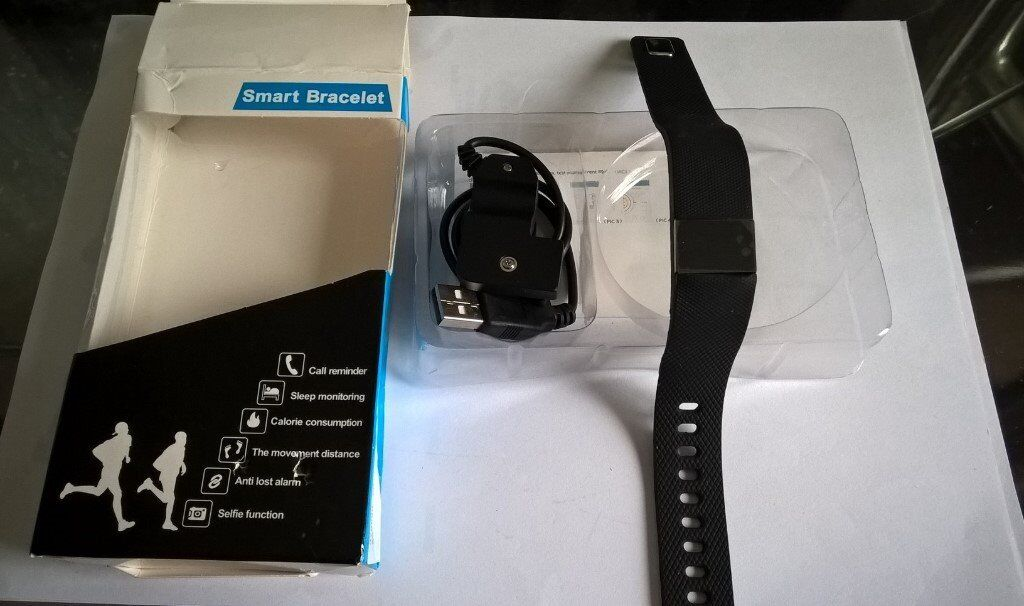 Fitness trackerin Plymouth, DevonGumtree - Fitness Bracelet, In wanted present, never used, Please try and read what the back of the box, because I do not know anything about it In the PLYMSTOCK area