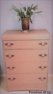 Dresser with four drawers (Vintage)