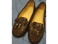 Flat shoes size 5