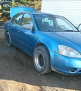 04 nissan altima runs drives amazing  no papers ,
