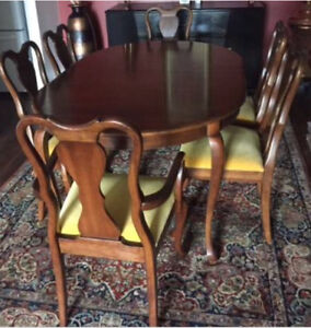 Gibbard Mahogany Dining Table Chairs And Hutch