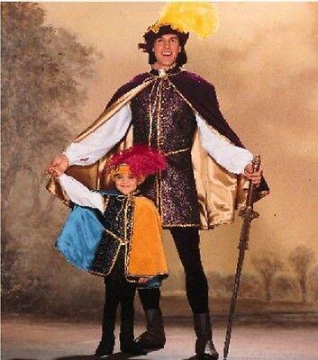 Renaissance Boot Pattern (BOYS' RENAISSANCE COSTUME Cape, Doublet, Shirt, Leggings, Boots SEWING)