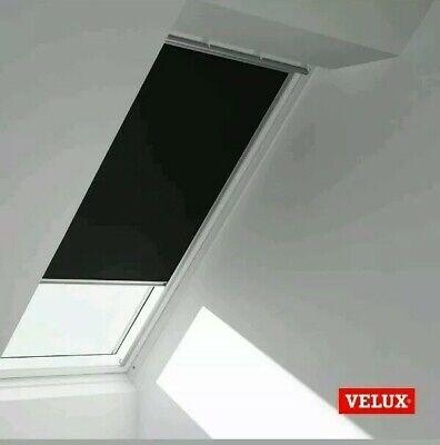 & Velux Blackout Blind Manual  DKL CK02 Black (3009 S) 38x 60cm window  67:10 Black Manual Blackout Blinds