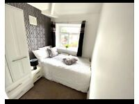 LAST ONE Trendy decor bedroom in house share