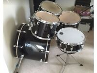 Mapex V Series Black 5 Piece Drum Kit (Hardware not included)