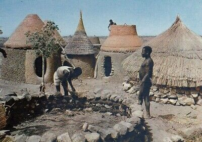 Afrika, Building a hut ngl (Building A Hut)
