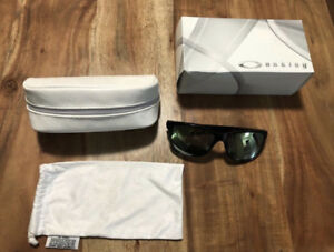 Authentic Oakley *Forehand Sunglasses