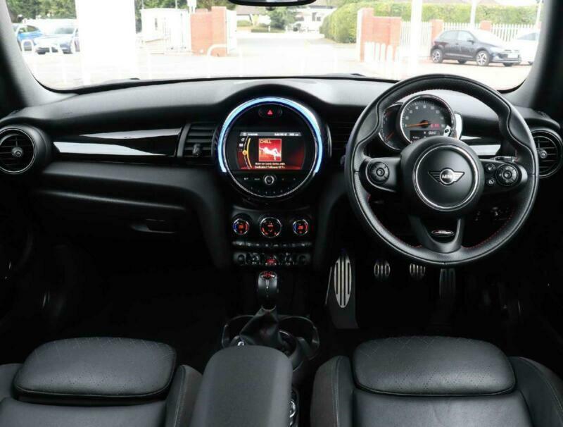 2019 MINI Hatch Mini Cooper 1.5 Cooper Sport II 3dr Nav Leather Bonnet Stripes H
