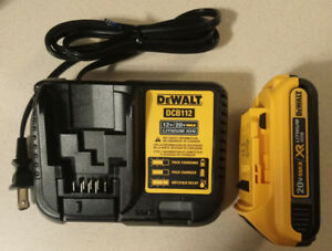 DEWALT 12&20 V Max Lithium-Ion Battery Charger + 1 Battery