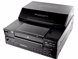 DISK MEGASTORAGE STEREO CD PLAYER/CHANGER SONY CDP-CX100 CD-10 West Island Greater Montréal image 1
