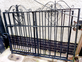 2 x driveway Gates with hinge openings in the middle