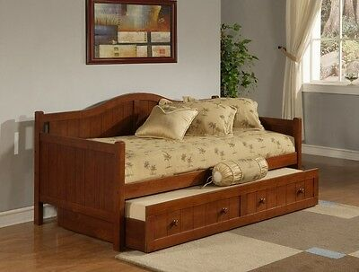 (Hillsdale Staci Daybed w/Trundle - Cherry- 1526DBT Bed 81.5