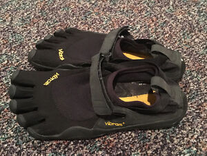 Men's Vibram 5 finger shoes Edmonton Edmonton Area image 2